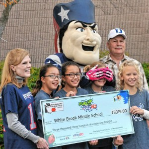 School community members and Pat Patriot. Photo by Kevin Gutting